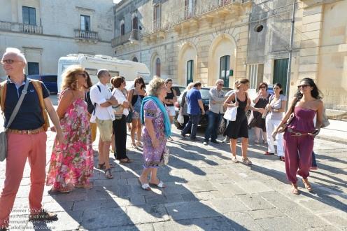 Abbiamo ripreso: siamo a Cursi in piazza Pio XII