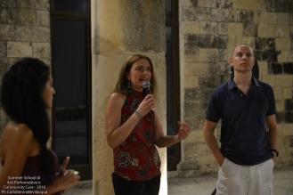...e quelli di Grazia Giovannetti, presidente della Cooperativa di Comunità di Melpignano, che ha preparato la cena comunitaria per il baratto