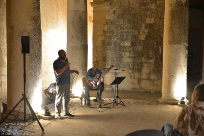 """Dopo cena è il momento del Concerto offerto dalla SummerSchool: """"Jata. Canti narrativi dal Salento"""" di Luigi Mengoli"""
