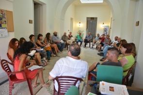 Al ritorno ci insediamo nel Palazzo della Cultura per ascoltare altri testimoni