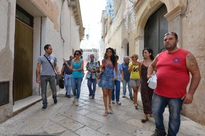 ...guidati da Stefano Torsello dell'Associazione LiberAzione scopriamo il bel centro storico di Alessano