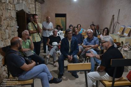 All'imbrunire c'è la videoproiezione di una intervista al Maestro di Banda Nino Ippolito, con nostra successiva discussione